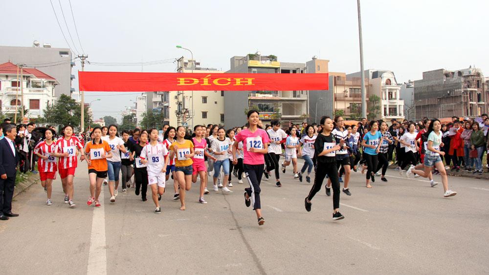 TP Bắc Giang: Hơn 1 nghìn người hưởng ứng Ngày chạy Olympic và Giải Việt dã truyền thống